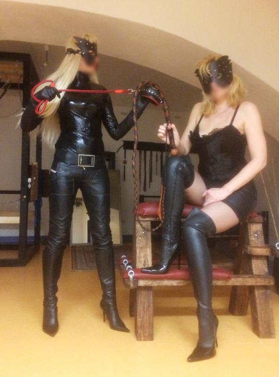 erotické masáže praha seznamka lesby